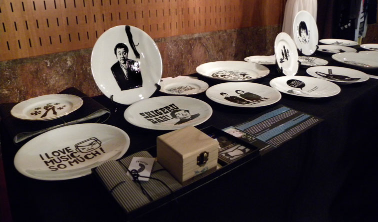 """Hand Painted Ceramic Plates. """"Passion for Japan"""". Creative Garden Bilbao en Fitting Room."""
