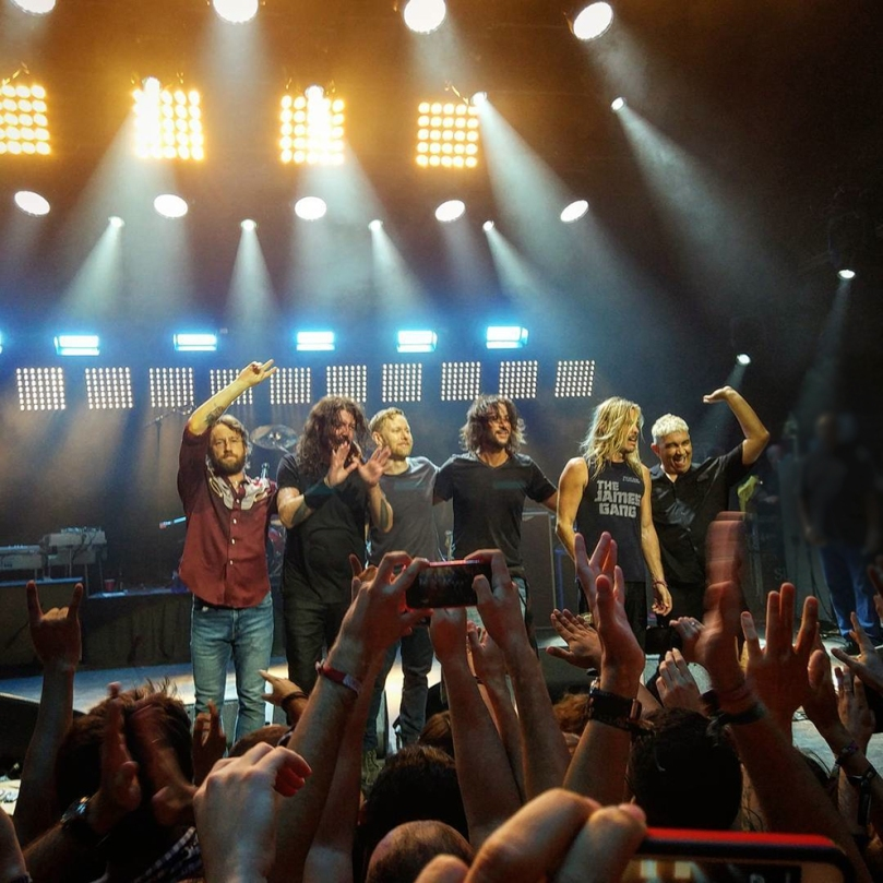 Foo Fighters y Aintzane de Luna en Barcelona