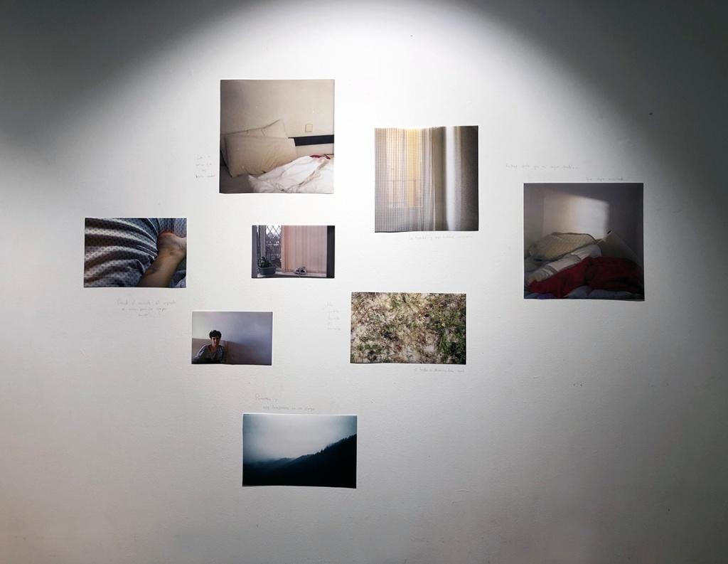 Mi cama, esa ventana y esa otra cama por Marta Valverde
